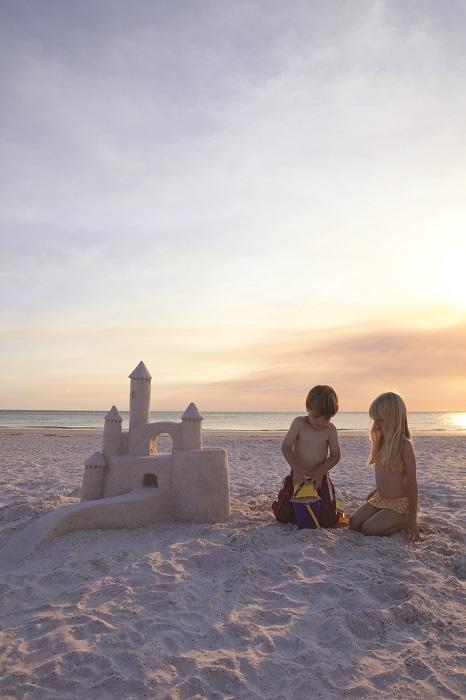 NAP_beach_sandcastle_kids