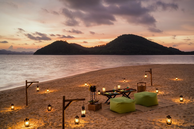 Six-Senses-Yao-Noi-sunset-island