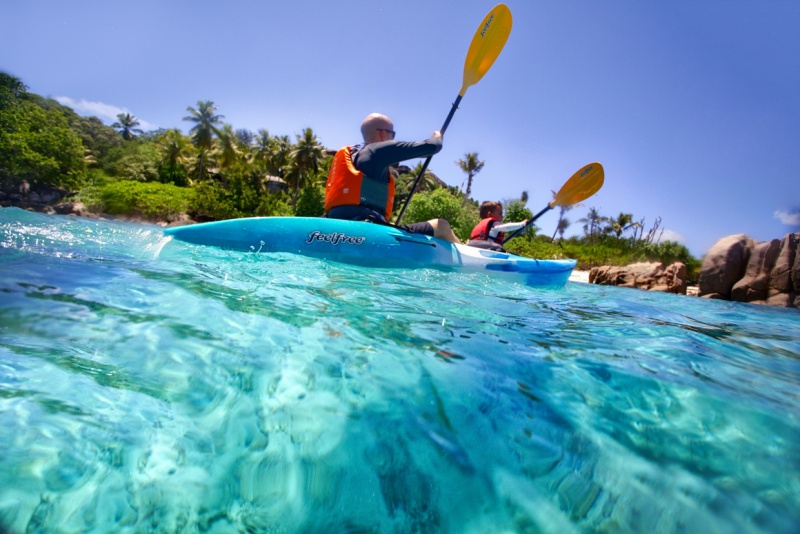 Six-Senses-Zil-Pasyon-kayaking