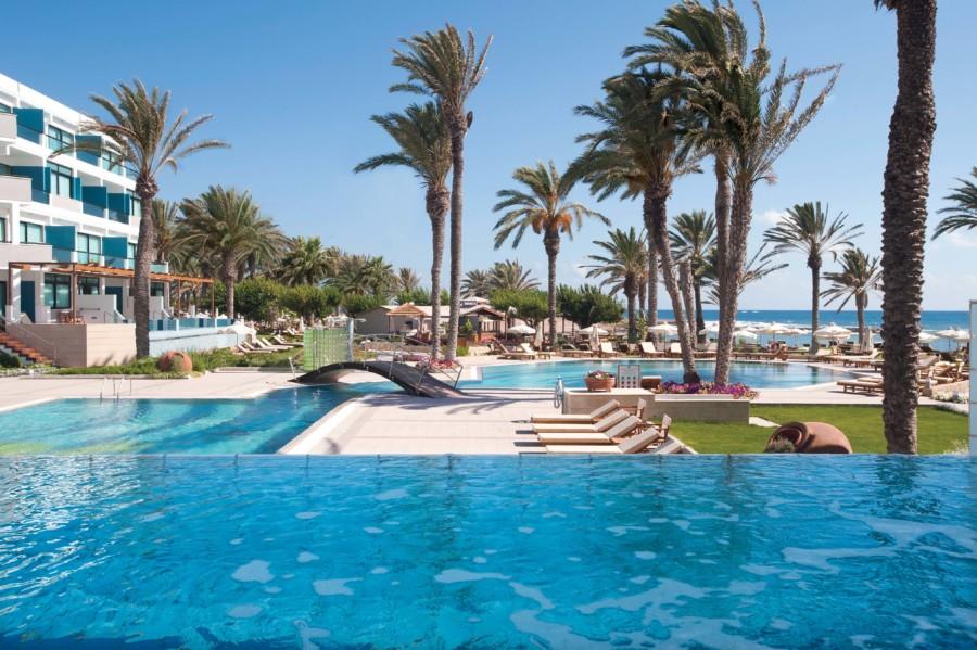 05_asimina suites hotel pool
