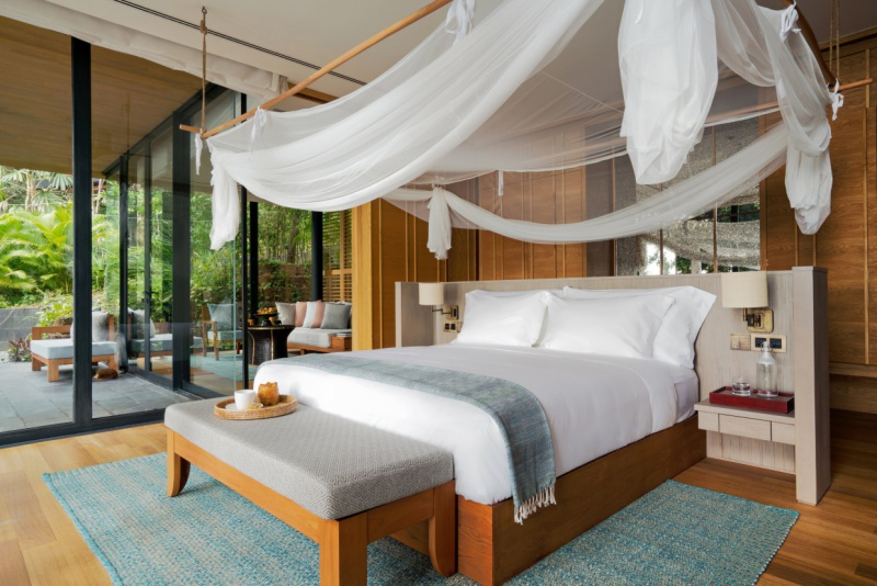 Six-Senses-Krabey-Island-ocean-pool-villa-bedroom
