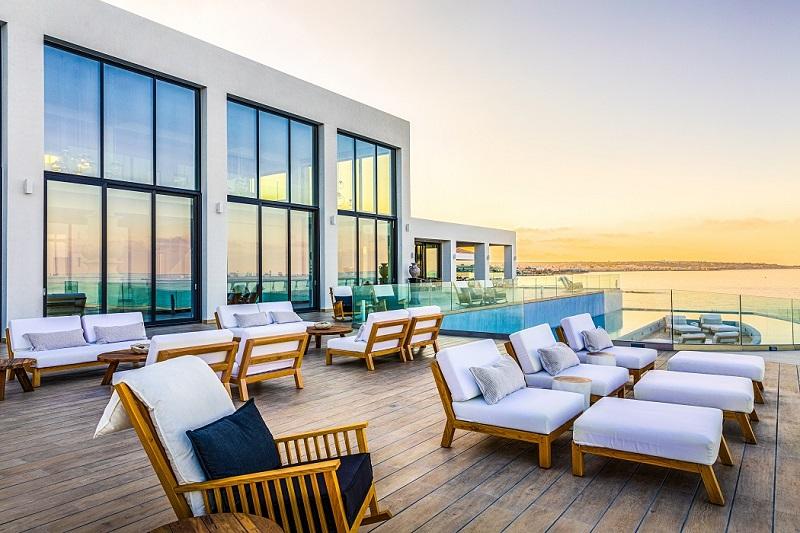 Abaton-Island-Resort-Lounge-Sunset-Views