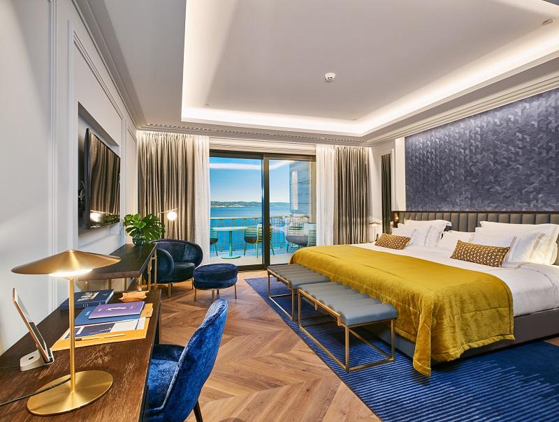 Premium Room (3)