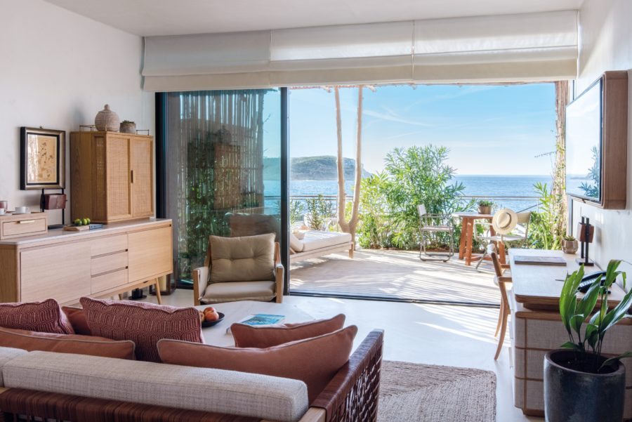 Living_room_with_terrace_view_to_the_bay_[9390-A4]